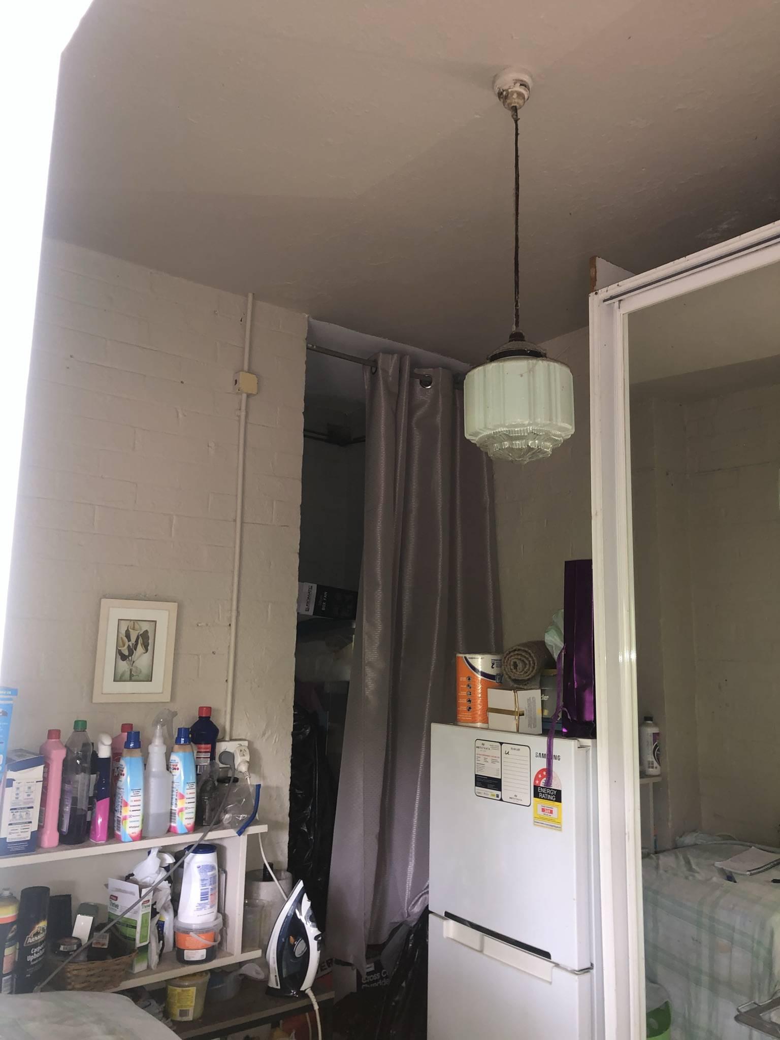 Marrickville-reno-bathroom-before